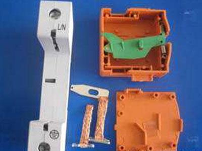 保护器塑料配件.jpg